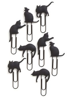 You've got so many frame-worthy photos of friends, family, and of course, your favorite feline friend – but how's a gal to keep them organized? 'Meow' that you've got these kitten-topped photo clips by Fred, its easy and entertaining! This set touts eight silicone rubber clips that keep tabs on your tabby when you affix those pics to the enclosed 36-inch woven black cord. Perfect for showing off cards, notes, and snapshots on your workspace wall or your home bulletin board,...