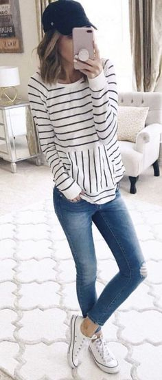 Inspiring Spring Outfits Ideas for Young Mom 37