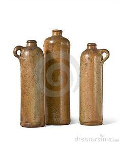 Botellas viejas de la arcilla
