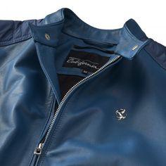 Men's Ferrari California T Leather Jacket - California T  #Ferrari #FerrariStore #MadeInItaly #Leather #CaliforniaT #Collection #Men  #Jacket #Ergonomic #Talent #Elegant #Elegance #Casual #Versatile #Exclusive #Maranello #Passion #PrancingHorse #CavallinoRampante