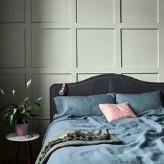 20 tips will help you improve the environment in your bedroom Earlier this month Dulux released their brand new colour of the year 2020 and its called Tranquil Dawn. Living Room Paint, Living Room Decor, Green Master Bedroom, New Interior Design, Colour Board, Color Of The Year, New Room, Furniture, Inspiration