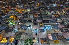 홍콩의 기하학적인 주거형태를 보여주는 사진들