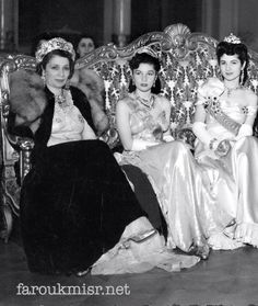 Before Islamization: The royal family of Egypt. Dance Oriental, Pahlavi Dynasty, The Shah Of Iran, Arab Celebrities, Old Egypt, Cairo Egypt, Royal King, Casa Real, Royal Brides