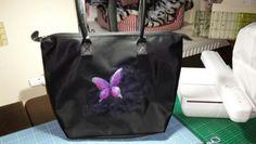 Tasche mit gesticktem Schmetterling