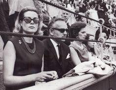 Los príncipes de Monaco, Grace y Rainiero, presencian una corrida de toros en Las Ventas con motivo de las ferias de San Isidro.15 mayo 1964