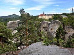 Zámek Hrubá Skála - ubytujte se v historických komnatách a užijte si aktivní dovolenou v přírodě
