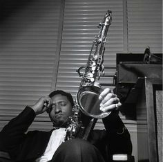 "Sonny Rollins, ""Sonny Rollins Volume II"" Sonny Rollins, New Jersey April 1957 by Francis Wolff Jazz Artists, Jazz Musicians, Blues Artists, Francis Wolff, Sonny Rollins, Musician Photography, Saxophone Players, Jazz Players, Cool Jazz"