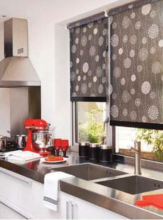 Smart blinds for that perfect kitchen look.These blinds are #wirefree #wireless #nowires #remotecontrol #smartphoneapp #tabletapp #noelectricianrequired #childsafe #cordless #largewindows #smallwindows #windowblinds #windowshades #windowcoveringsolution #prettywindows #childfriendly #smartblinds #homedesign #kitchenblinds #interiordesign #redesign #bathroomblinds #bedroomblinds #lounge