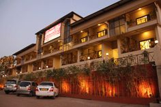 Hotel Suman Raj, is located only a few minutes walking distance from Venna Lake, at Mahabaleshwar. It's very popular mahabaleshwar hotel.