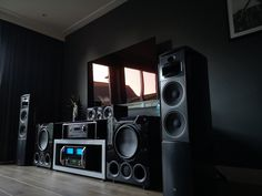 Featured Home Theater System: Nick B. in Grootebroek, Netherlands – SVS Home Theater Room Design, Home Theater Rooms, Cinema Room, Home Interior Design, Sony Home Theater System, Sony Home Theatre, Best Floor Standing Speakers, Home Theater Surround Sound, Audio Studio