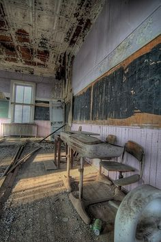 Abandoned School Classroom, architecture, old blackboards, history ,