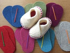 Baby Knitted Crossover Slipper Kit in British Wool YarnBaby version of our popular crossover slipper knitting kit. Softest Bluefaced Leicester British wool roving and our own soft woolen felt soles.Baby Soles - Thick Felt Soles for Bootees, Slippers Baby Slippers, Knitted Slippers, Knitting Kits, Baby Knitting Patterns, Baby Kimono, Baby Shoes Pattern, Knitted Booties, Crochet Baby Booties, Baby Bootees