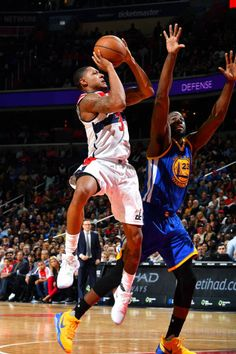 Bradley Beal of the Washington Wizards shoots the ball during the game against the Golden State Warriors on February 28 2017 at Verizon Center in...