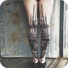 No doubt that Architecture Tattoo Designs drawn out in black ink force us to appreciate just how beautiful spectacular buildings can be. Burg Tattoo, Detailliertes Tattoo, Goth Tattoo, Samoan Tattoo, Polynesian Tattoos, Love Tattoos, Beautiful Tattoos, Tatoos, Calf Tattoos
