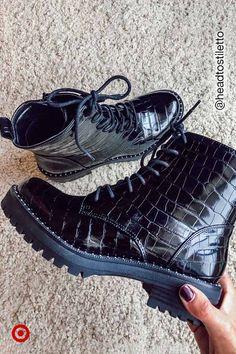Cute Shoes, Me Too Shoes, Trendy Shoes, Shoe Boots, Shoes Heels, Flats, Lace Up Combat Boots, Fashion Accessories, Fashion Shoes