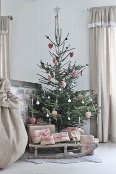 Roberta...Charme and More: Dreaming of a Pink Christmas