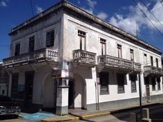 Spanish colonial era house, Manati, Puerto Rico -  Llanos Colon 2014