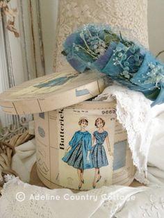 Adeline Country Cottage Retro Fashion Blue Hat Box