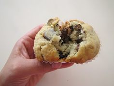 The BEST banana chocolate chip muffin recipe! mouth watering, and soooo easy!