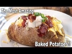 This is a step by step guide on how to make a baked potato, a steakhouse-style baked potato, fluffy inside and crispy, salty, potato skin on the outside.