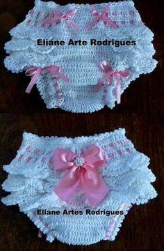 53 Ideas baby crochet dress pattern diaper covers for 2019 Knitting Baby Girl, Baby Girl Crochet, Crochet Baby Clothes, Crochet Baby Dress Pattern, Baby Dress Patterns, Crochet Patterns, Crochet Lace, Knitting Patterns, Häkelanleitung Baby