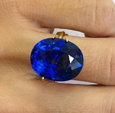 Feeling like a Queen with this breathtaking 21.8 ct GRS certified Royal Blue Sapphire www.advancedacc.com