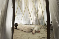 Harm Rensink Unveils an Ethereal Nomadic Sand Bath for Wellnes...