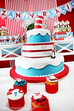 Dr. Seuss cat in the hat cake