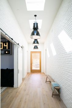 You'll Want a White Brick Bathroom After Seeing This Home Brick Interior, Interior Walls, Modern Interior Design, Interior Styling, Painted Brick Walls, White Brick Walls, White Bricks, Hill Interiors, Amber Interiors