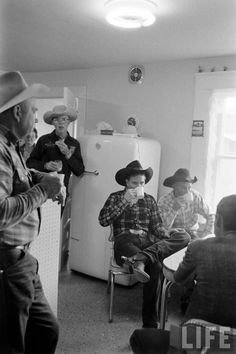 COFFEE AT 5 O'CLOCK - Casey Tibbs wearing his spurs enjoys a cup of coffee with other rodeo cowboys - Life Magazine photo. COFFEE AT 5 O'CLOCK - Casey Tibbs wearing his spurs enjoys a cup of coffee with other rodeo cowboys - Life Magazine photo. Cowboy Horse, Cowboy Up, Cowboy And Cowgirl, Rodeo Cowboys, Real Cowboys, Life Magazine, Cowgirls, Cowboy Ranch, Cowboy Pictures