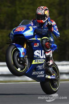 Maverick Viñales, Team Suzuki MotoGP Suzuki Cafe Racer, Cafe Racer Motorcycle, Racing Motorcycles, Motogp, Vinales, Valentino Rossi, Grand Prix, Motorbikes, Cuba