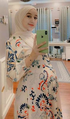 Hijab Chic, Girl Hijab, Pregnancy Outfits, Curvy Girl Fashion, Maternity Pictures, Maternity Dresses, Hijab Fashion, Sexy, Clothes