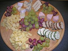 Käseplatte Cheese plate (recipe with picture) of cooked smoked meat Brunch Buffet, Party Buffet, Party Finger Foods, Snacks Für Party, Food Platters, Cheese Platters, Food Tags, Brunch Party, Cheese Recipes