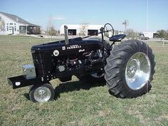 I just sold this tractor two weeks ago and severely regret it. We have aftermarket tractor parts and manuals for 1949 Farmall M Puller tractors. Farmall Super M, Farmall M, Small Tractors, Old Tractors, International Tractors, International Harvester, Antique Tractors, Vintage Tractors, Agriculture Tractor