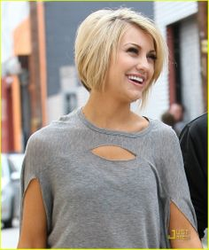 short hair same kinda thing so i guess its more of a bob cut if i don't shave/layer the back