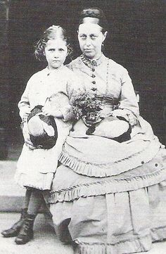 Beatrix Potter as a child with her mother Helen. She was born on July 1866 at No. Bolton Gardens, Kensington, in London. Cumbria, Vintage Photographs, Vintage Photos, John Wright, Beatrix Potter Illustrations, Beatrice Potter, Peter Rabbit And Friends, Lake District, Old Photos