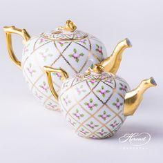 Tea Pot withRose Knob20608-0-09 SPROG and 20606-0-09 SPROG Sevres Roses pattern. Herend porcelain hand painted