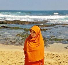as bright as the beach sun.. #Hijab #Shar'i