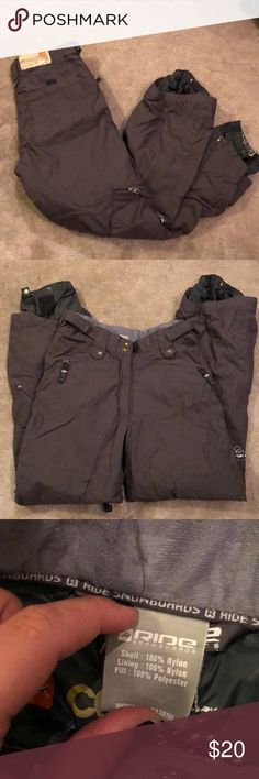 """Ride Snowboarding Pants Womens Small Snowboarding pants. Around 5""""5' would fit best. The waist is somewhat small I am 130 lbs and they fit well. Worn a few times. Lots of pockets!   Make an Offer 💁🏼🎉 Pants"""