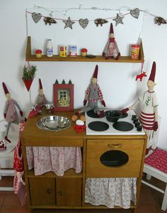 Play kitchen-- like the front layout