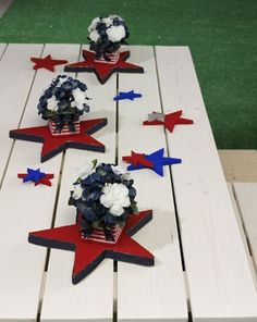 Independence Day Centerpieces - Think Crafts by CreateForLess Patriotic Crafts, Patriotic Party, July Crafts, Americana Crafts, Kid Crafts, 4th Of July Celebration, 4th Of July Party, Fourth Of July, Holiday Centerpieces
