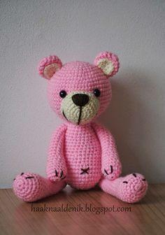 Adventure with a haaknaald.Gehaakte stuffed animals and more! Crochet Diy, Crochet Amigurumi, Amigurumi Doll, Crochet For Kids, Crochet Dolls, Crochet Bear Patterns, Amigurumi Patterns, Crochet Animals, Teddy Beer