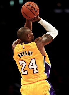 Uploaded by Kobe Bryant. Find images and videos about man, idol and celebrity on We Heart It - the app to get lost in what you love. Kobe Bryant Quotes, Kobe Bryant 8, Kobe Bryant Family, Lakers Kobe Bryant, Kobe Bryant Michael Jordan, Michael Jordan Basketball, Dear Basketball, Bryant Basketball, Basketball Legends