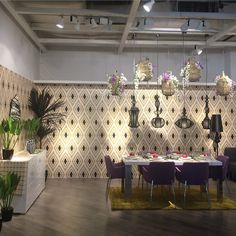 We are proud to announce that our ecru for @abyat collection is now on display at the corner designed by our very own Nur Kaoukji. The wall paper is also a collaborative effort between Nur Kaoukji and Nada Dalloul. We hope you like it ! #ecru #home #wear #dining #collaborate #abyat #kuwait