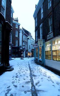 Snowy Streets.. York, England | Flickr - Photo by eaquaelegit