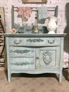 vintage painted furniture shabby chic ~ vintage bemalte möbel shabby chic ~ home decoration ~ haus dekoration Shabby Chic Mode, Estilo Shabby Chic, Shabby Chic Kitchen, Shabby Chic Style, Shabby Chic Decor, Rustic Style, Shabby Chic Bedroom Furniture, Shabby Chic Interiors, Shabby Chic Bedrooms