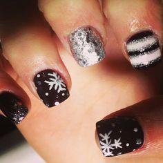 <3<3 #winternails