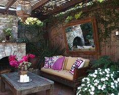 14 Romantic Backyard Patio Design Ideas - Rilane