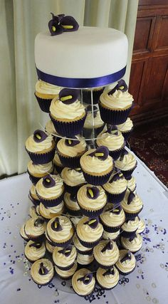 Purple Calla Lily Cupcakes by Heaven's Bakery, via Flickr
