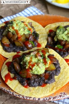 Gluten-Free Tex Mex Tostadas with Slow Skillet Cooked Chili Potatoes + Citrus Guacamole! Vegan Mexican Recipes, Vegan Lunch Recipes, Delicious Vegan Recipes, Spicy Recipes, Vegan Vegetarian, Ethnic Recipes, Vegan Meals, Vegan Food, Yummy Food